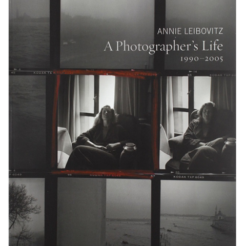 annie leibovitz biography and image sample Annie leibovitz is now known mostly for her controversial images for magazines such as vanity fair and the rolling stones one of her most famous photographic dramas was the john lennon and yoko ono cover shoot in 1980 when.